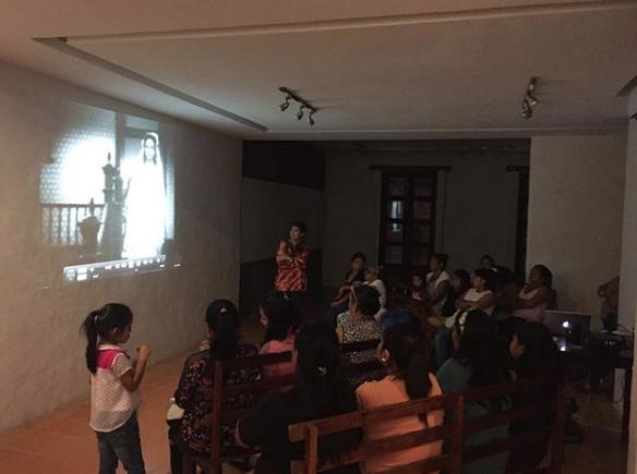 """Plática por la Mtra. Raquel González """"El cine mexicano y la educación de sumisión en la mujer"""""""