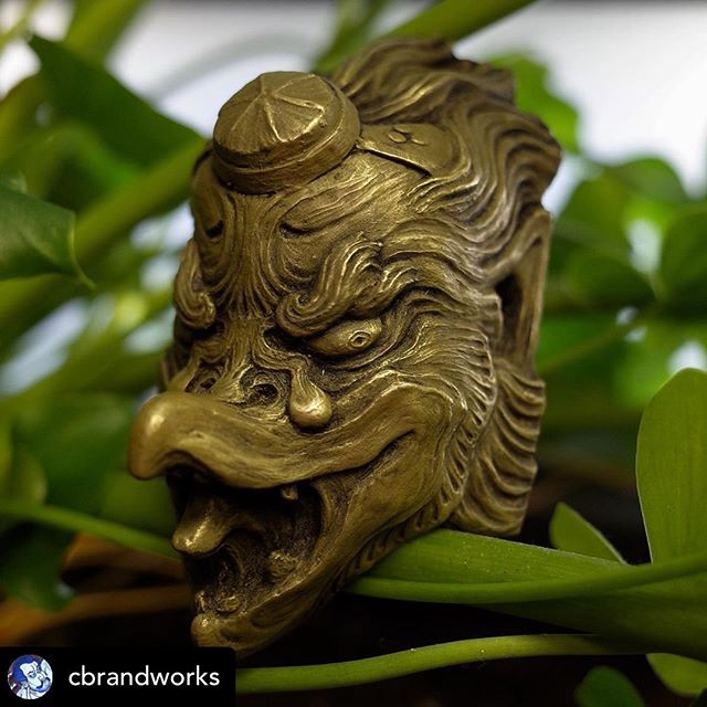 @cbrandworks Tiny Tengu talkin' tuff in the ruff  Soon available for you in person at @bayareatattooconvention  #chrisbrand #uglarworks #tengu #karasutengu #tengumask #coldcast #coldcastbrass #coldcastbrassmask #coldcastbrassforthatass