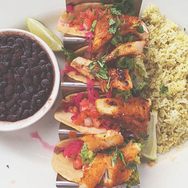 All the 🌮s, please. 🤤 . . . . . #southbay #redondobeach #california #tacos #addicted #fishtacos #food