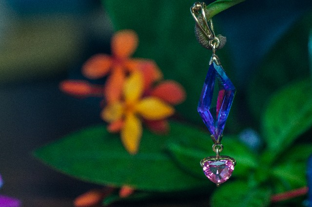 The leaf stem acted as a perfect holder for the pendants.