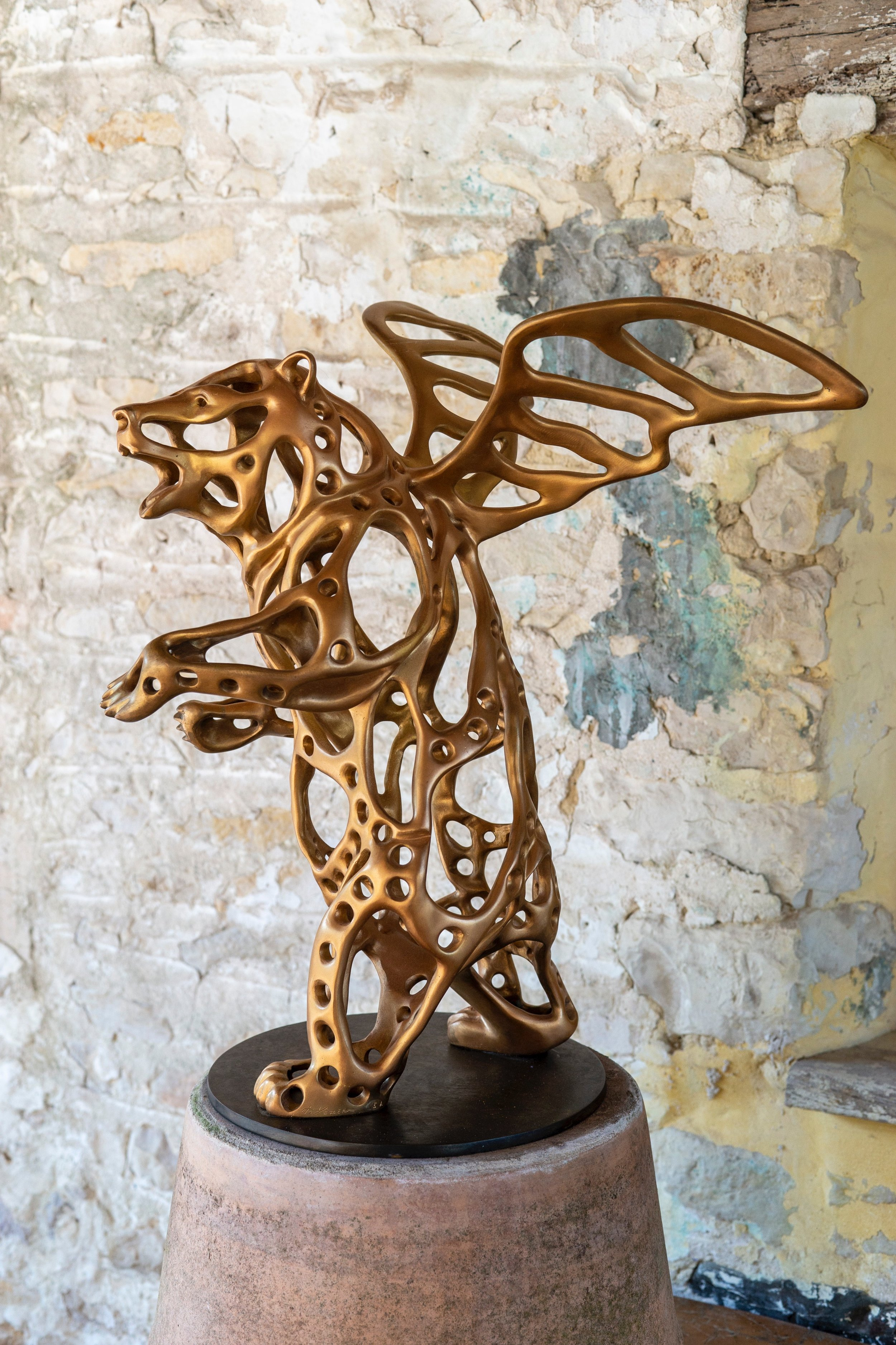 Richard Texier-Angel bear - Angel Bear en bronze- 53 x 50 x 43 cm- doré.jpg