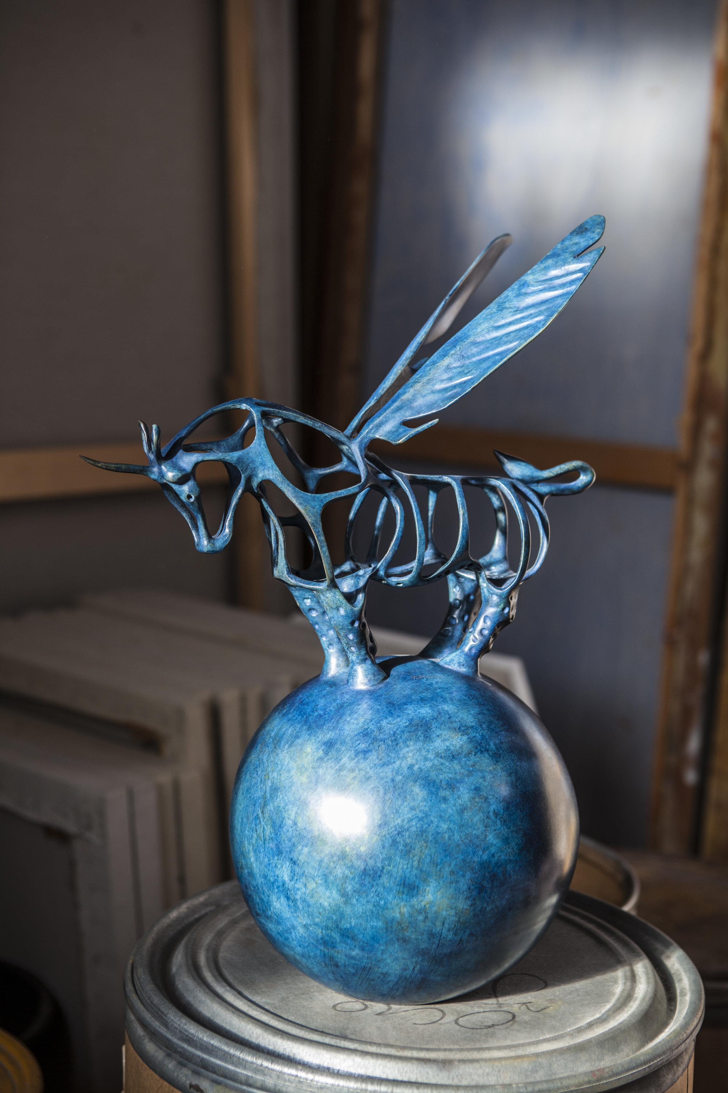 Richard Texier- Unicorna céleste en bronze- 54 x 37 x 17 cm- bleue.jpg