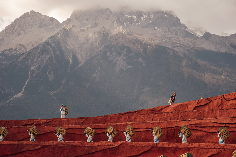 Lijiang Impression, Lijiang, Kunming, Yunnan, CHina, 2016   A Beautiful Distraction