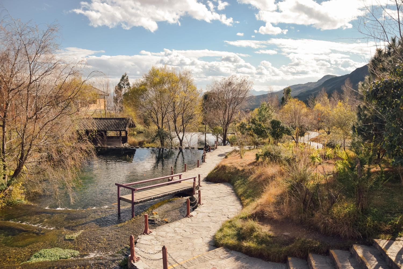 Lijiang, Kunming, Yunnan, 2016   A Beautiful Distraction