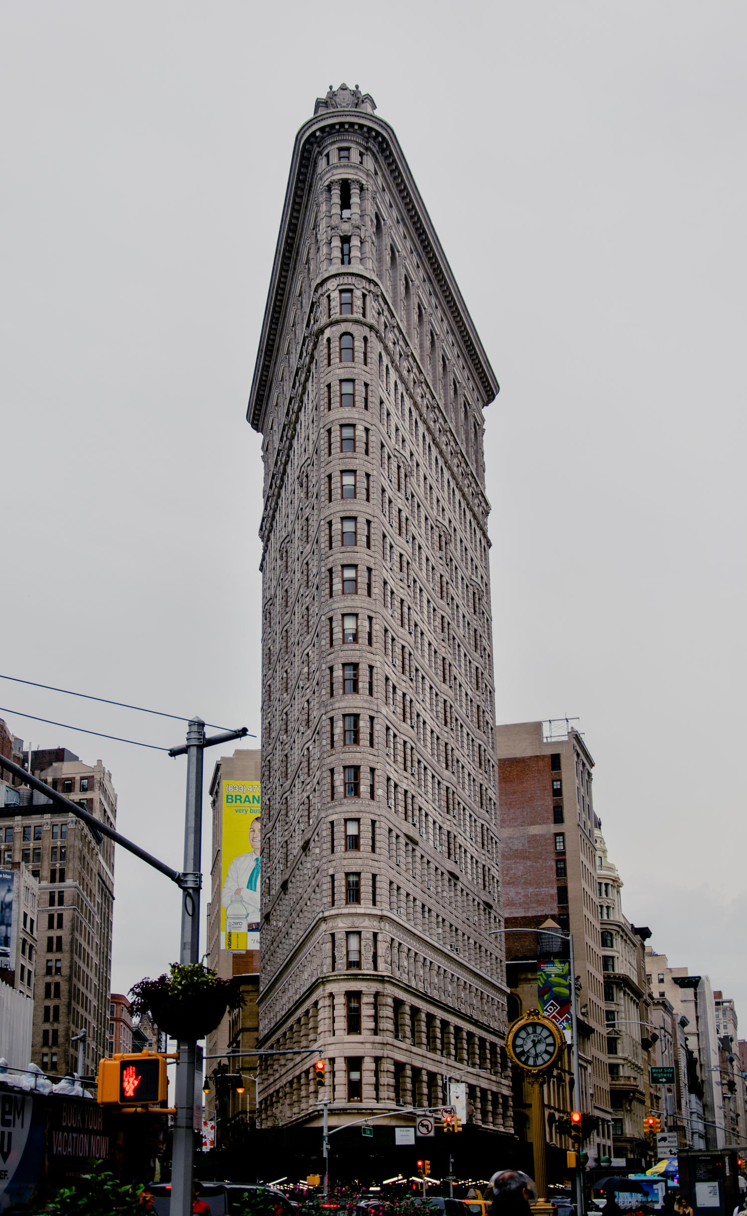 Flatiron_Building_New_York_City_2018_Ruo_Ling_Lu.jpg
