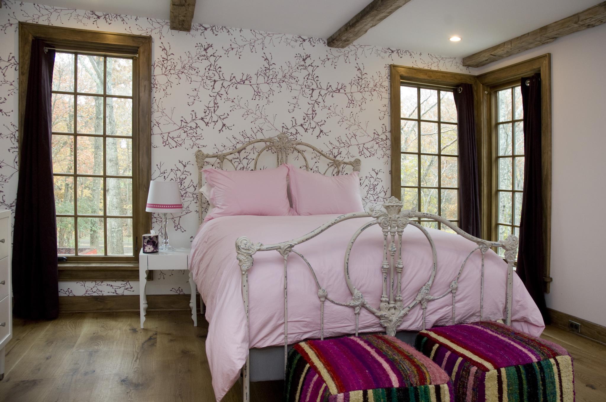 dennis-schorndorf-barn-restoration-girls-bedroom
