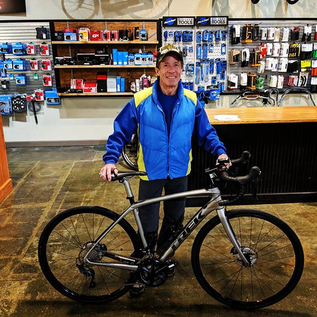 New bike day for Bill! He is rocking the @trekbikes Domane SL 6 Disc, ready for those long rides!  Congrats Bill! . . #newbikeday #timetoride #trek #roadbike #domane #shimano