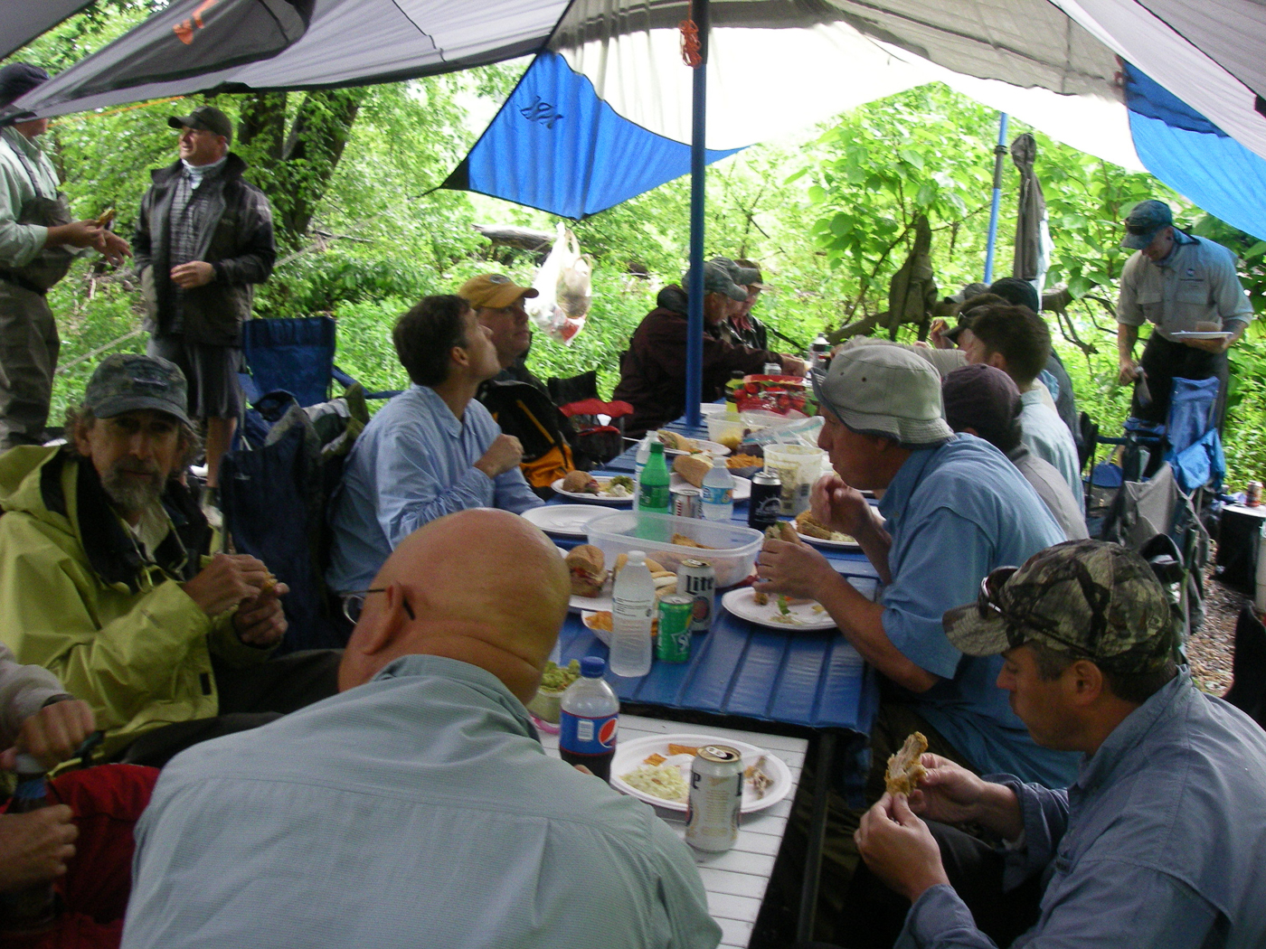 mark-kovach-fishing-services-trip-lunch-003.jpg