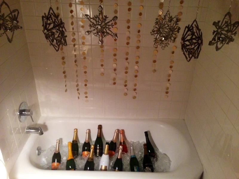 champagne in bathtub oohlalamode