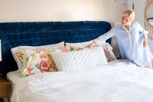 emily-henderson-pillow