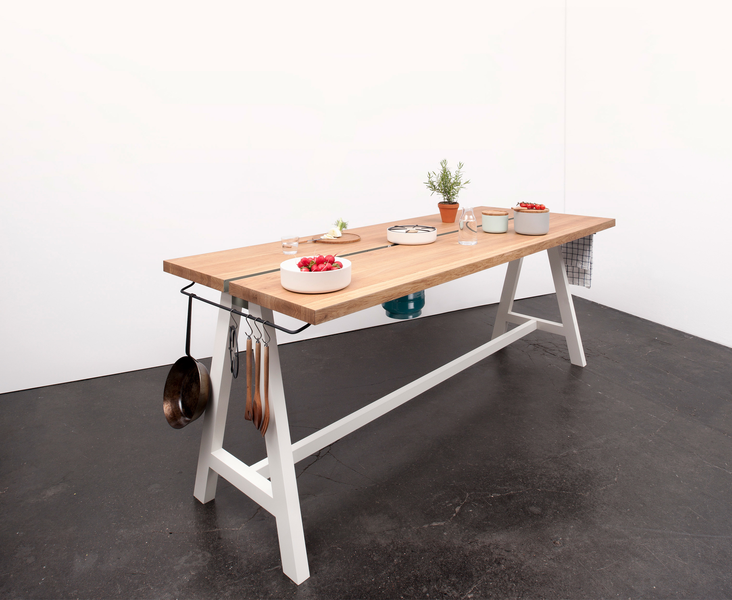 Studio-MoritzPutzier_The-Cooking-Table-02.jpg