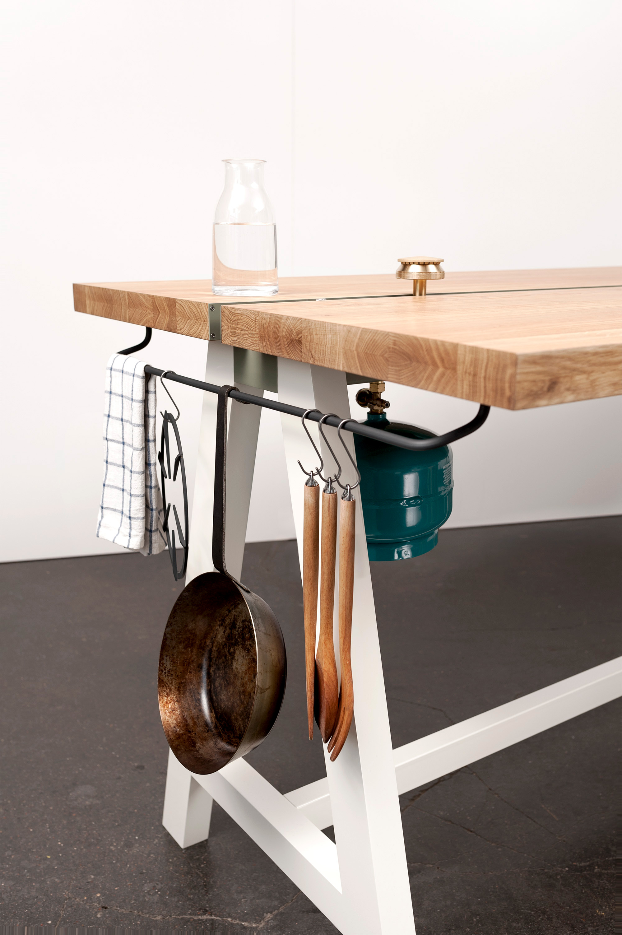 Studio-MoritzPutzier_The-Cooking-Table-11.jpg