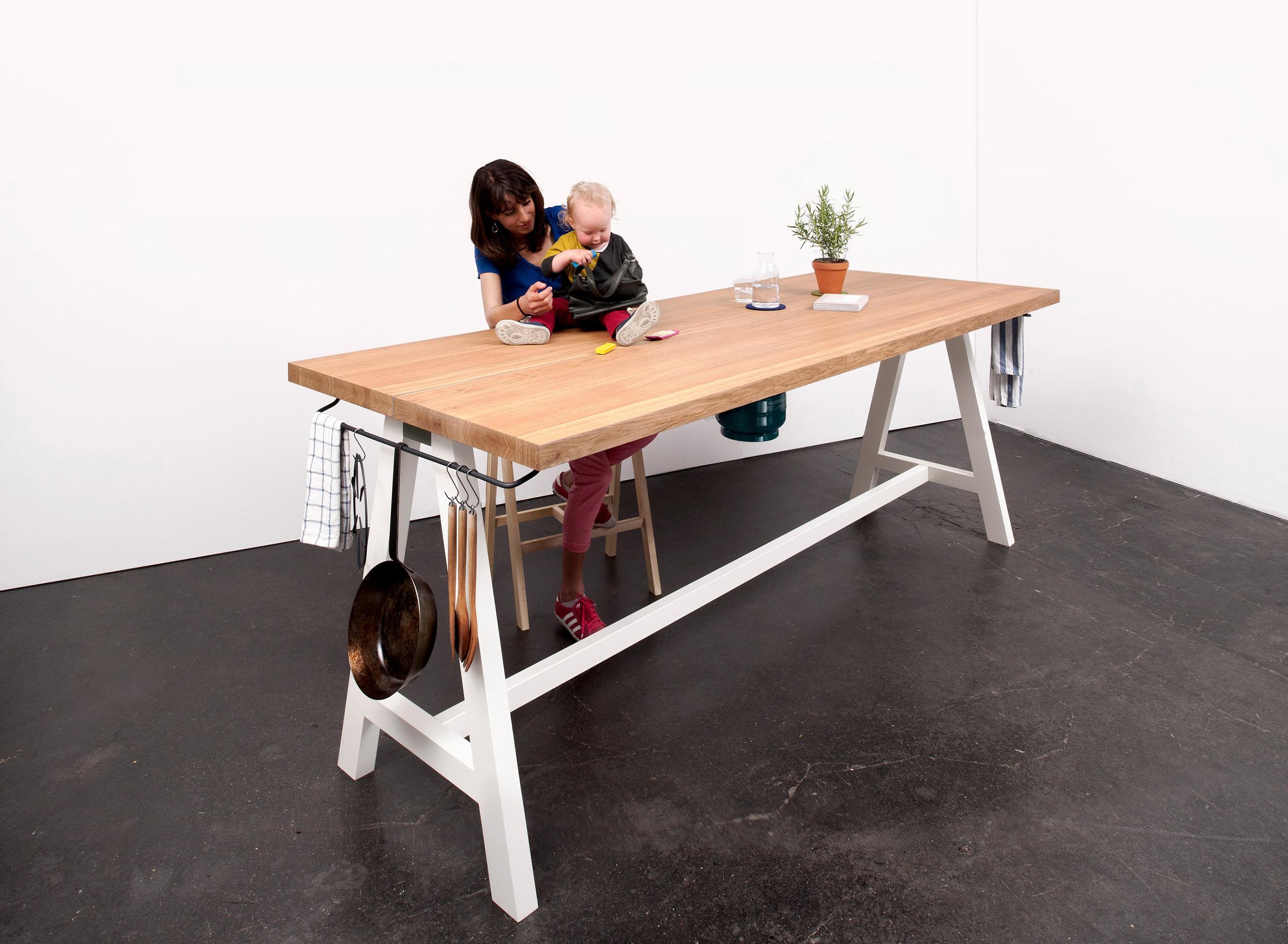 Studio-MoritzPutzier_The-Cooking-Table-17jpg.jpg