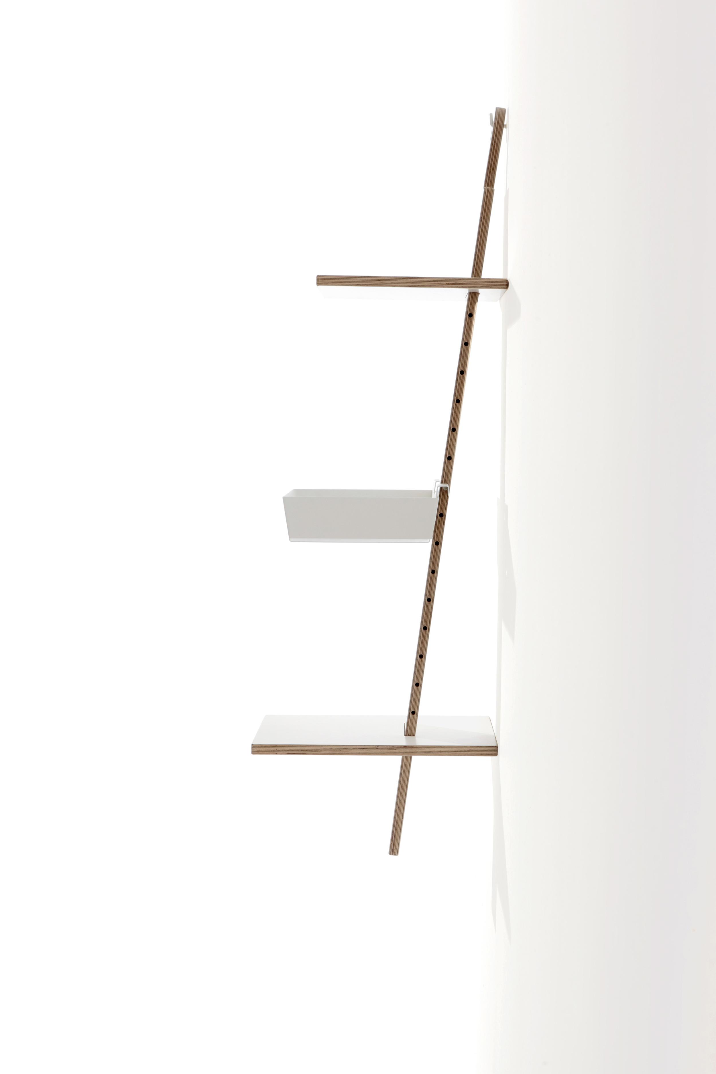 Studio-MoritzPutzier_Mueller_HangUp wall shelf-02.jpg