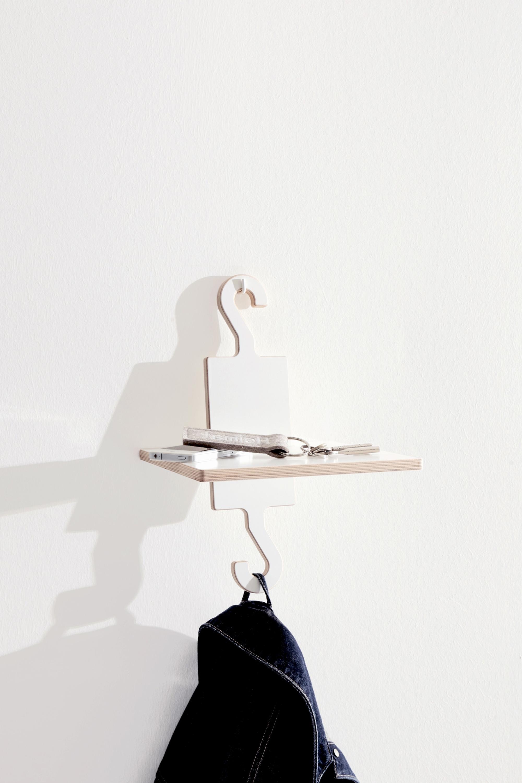 Studio-MoritzPutzier_Mueller_HangUp-wardrobe.jpg