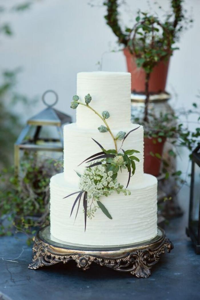Vendors    Venue:  Wright Ranch Malibu     Photography:  Brian Leahy     Coordination:  Di Lusso Concierge     Flowers:  Wisteria Lane     Cake & Desserts:  Kellie Abbott