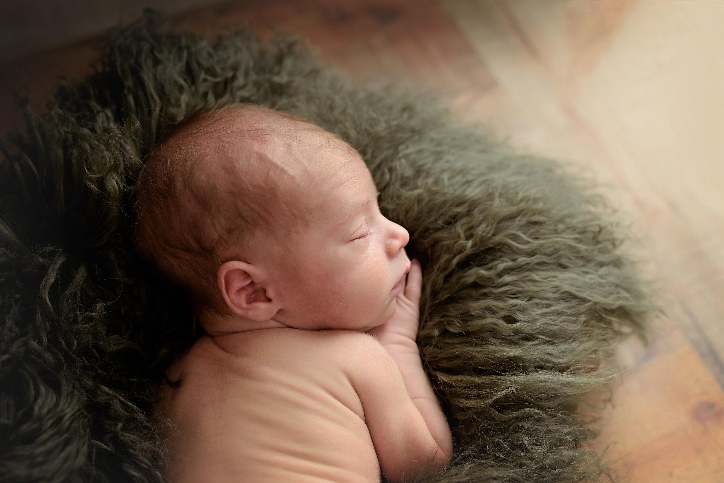 New_Prague_Newborn_Photographer4 (1).jpg