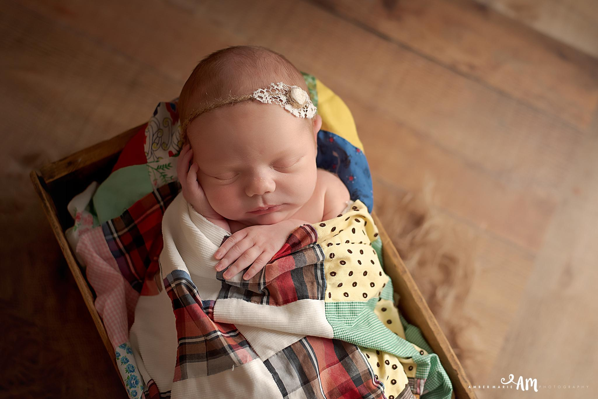 Northfield_Newborn_Photographer37.jpg