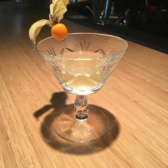 The Golden Rose: #martini with #cirocpeach  Muddle gooseberry, ginger, lemon zest, rosemary  add a little Lillet shake and pour neat. Golden berry garnish. #delish #cocktailknowledge #bwdotca @brandywine_bartending