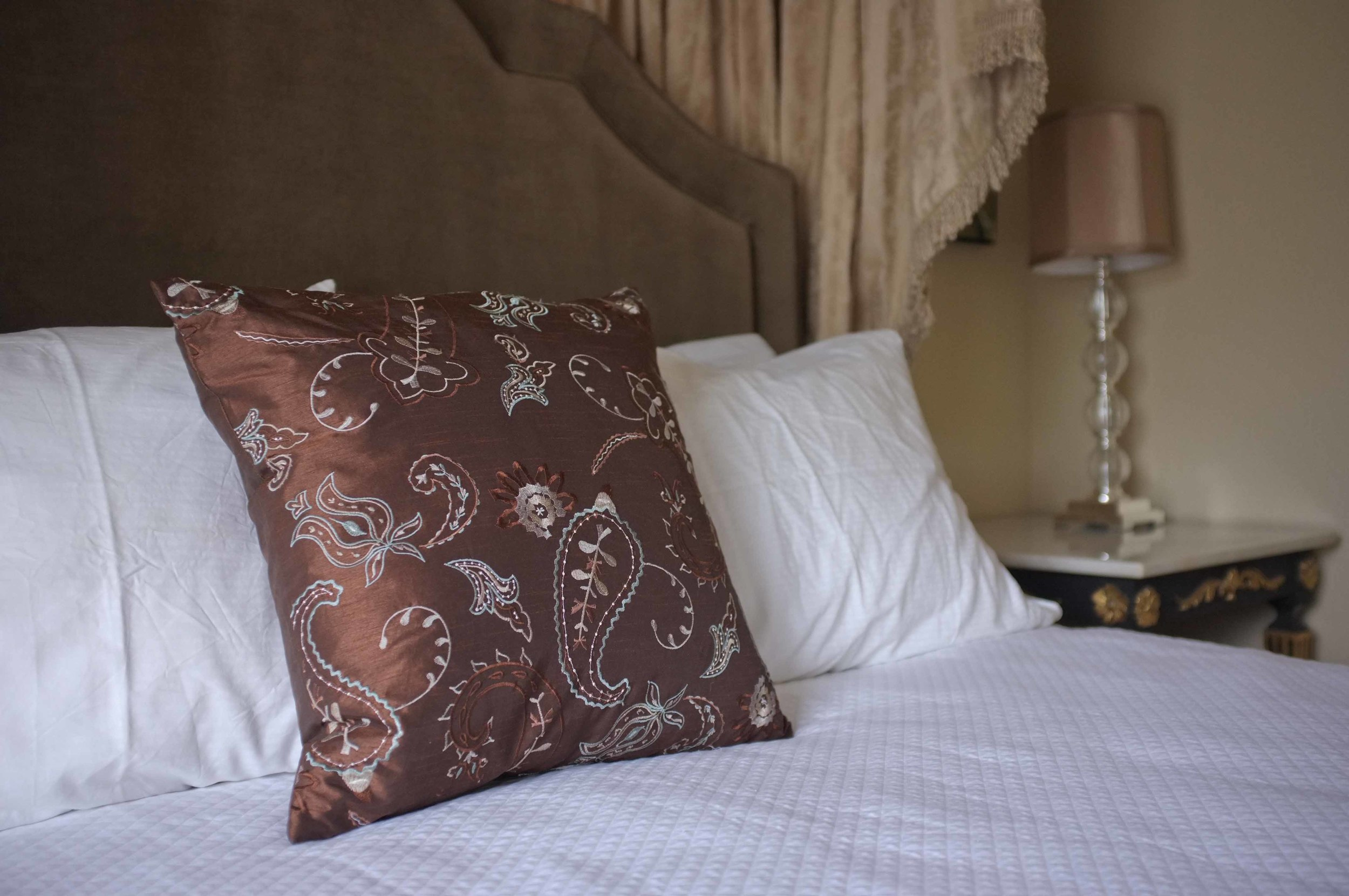 Queen Upstairs bed linens