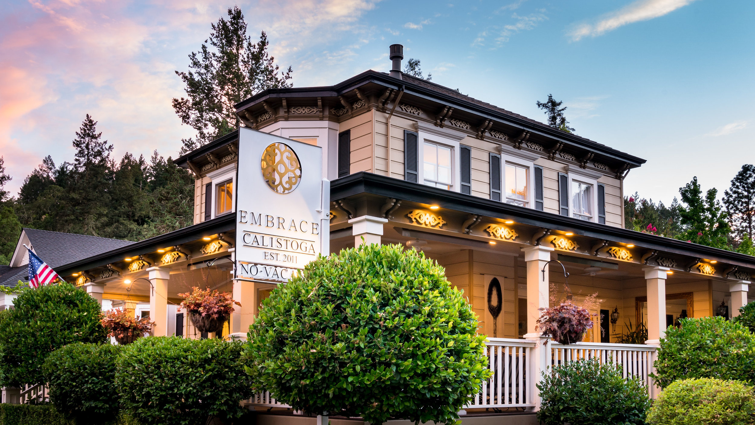 Front view of Embrace Calistoga