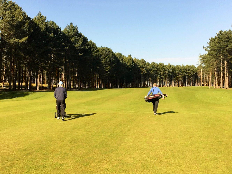 Walking golf course versus carts