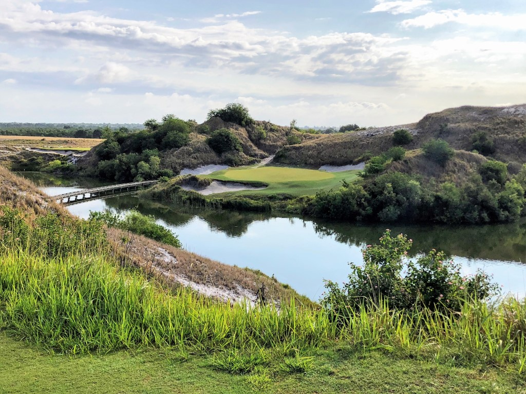 The much-photographed 7th hole on Streamsong Blue