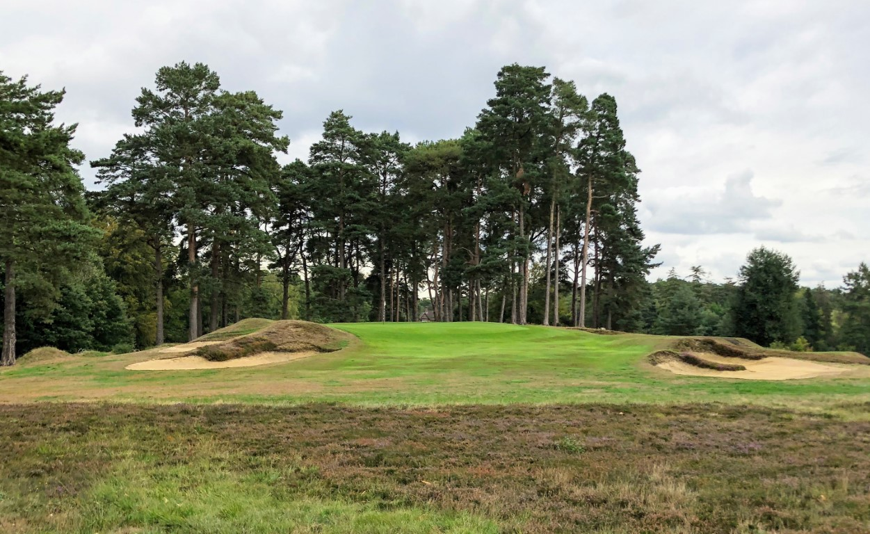 The 17th at Swinley Forest is the last of an amazing set of par 3s