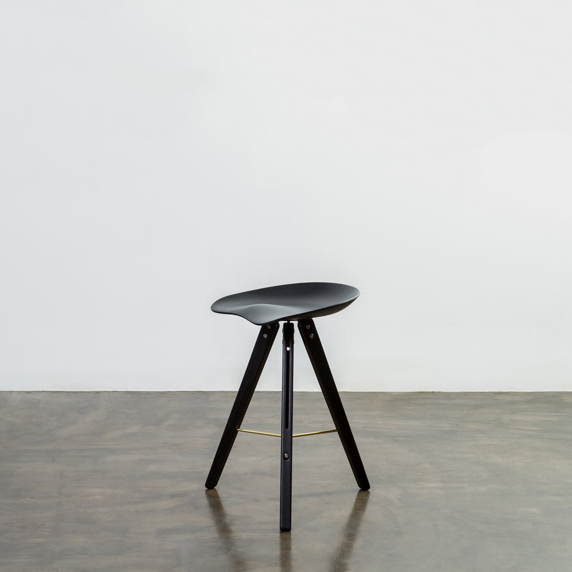 MCO150-C-Theo_Tractor_Counter_Stool_2048x2048-3.jpg