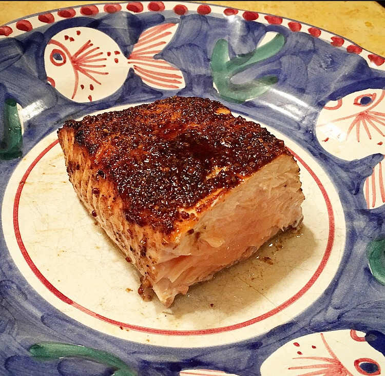 Slightly rare in the center, this salmon is perfectly cooked!