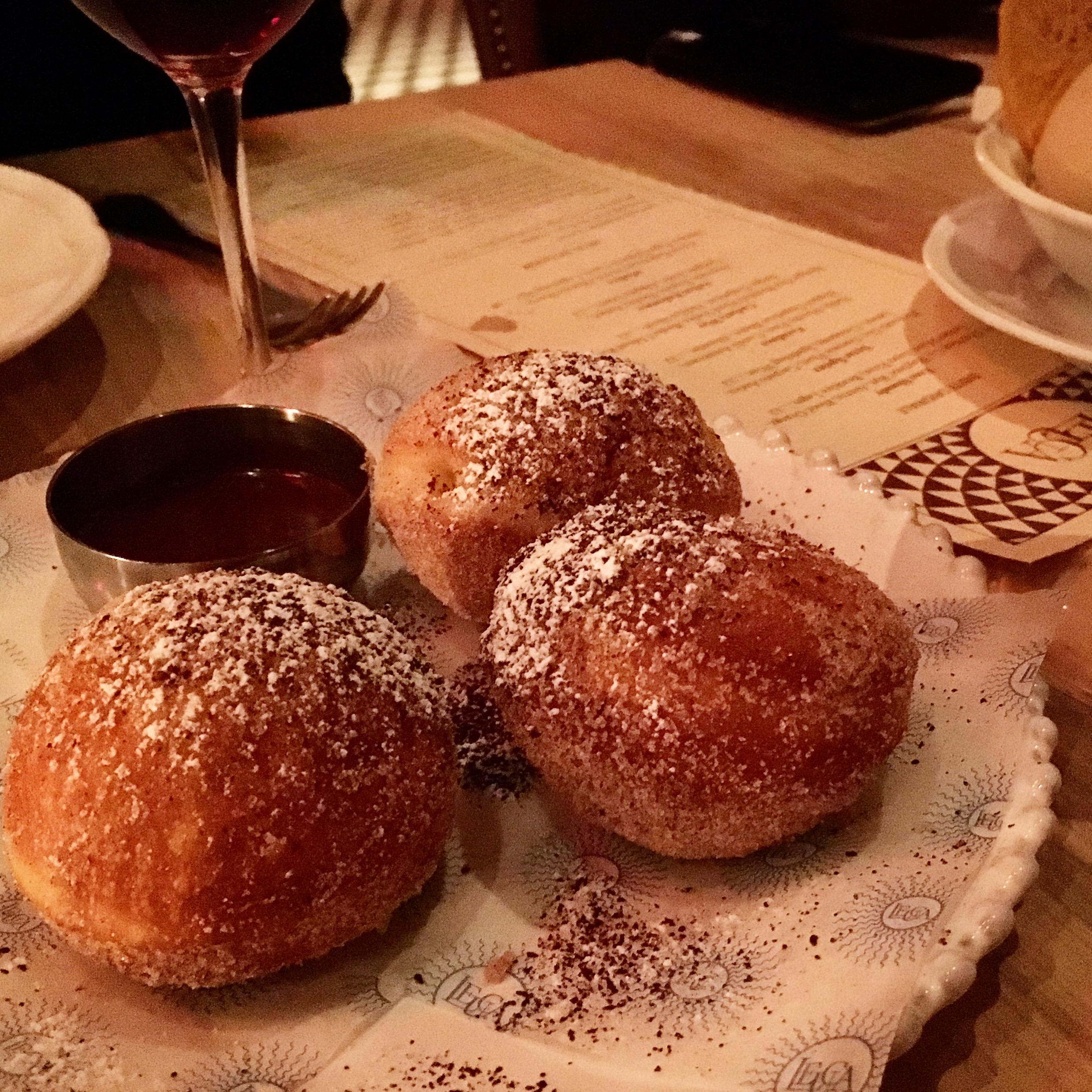 Cream filled donuts, Leuca