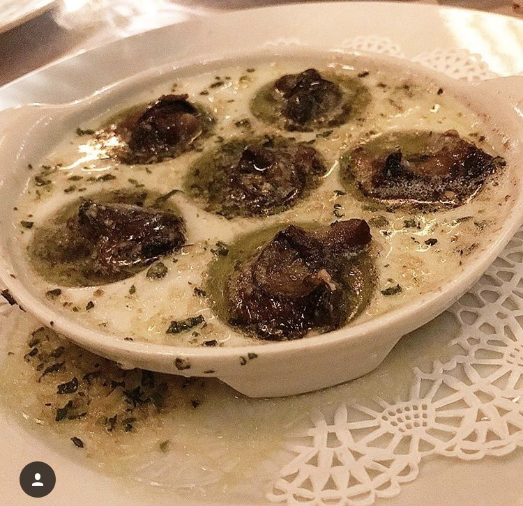 The Wine Chef can't get enough of escargots! Butter and Garlic was wafting though the entire room at Felix!