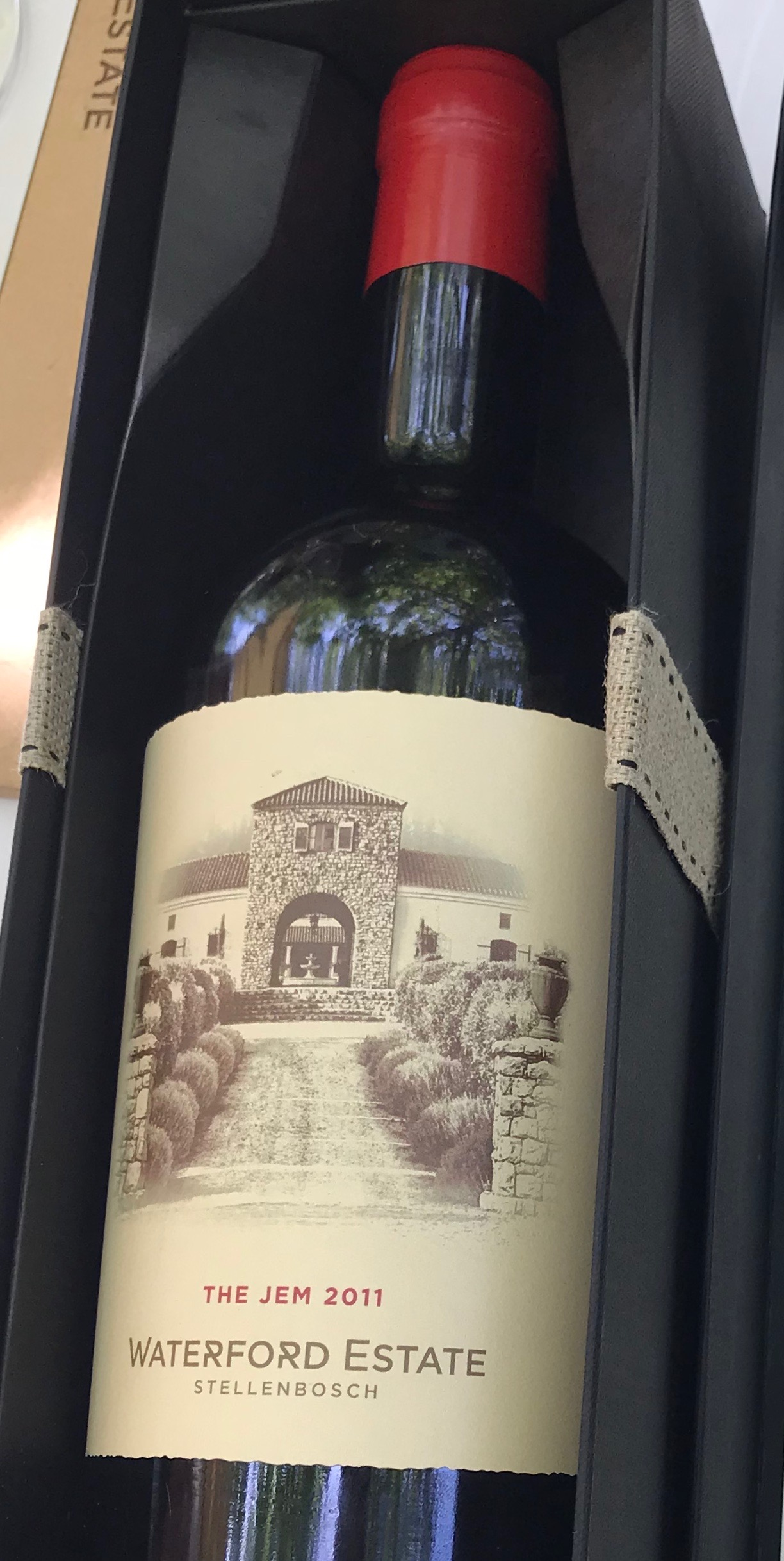 The Gem, Waterford's flagship wine, is dominated by Cabernet Sauvignon and blended wtih six other varieties. This full-bodied wine has aromatics of red and dark black fruits as well as spice notes. Its luscious fruit flavors were a perfect accompaniment to the dark chocolate.