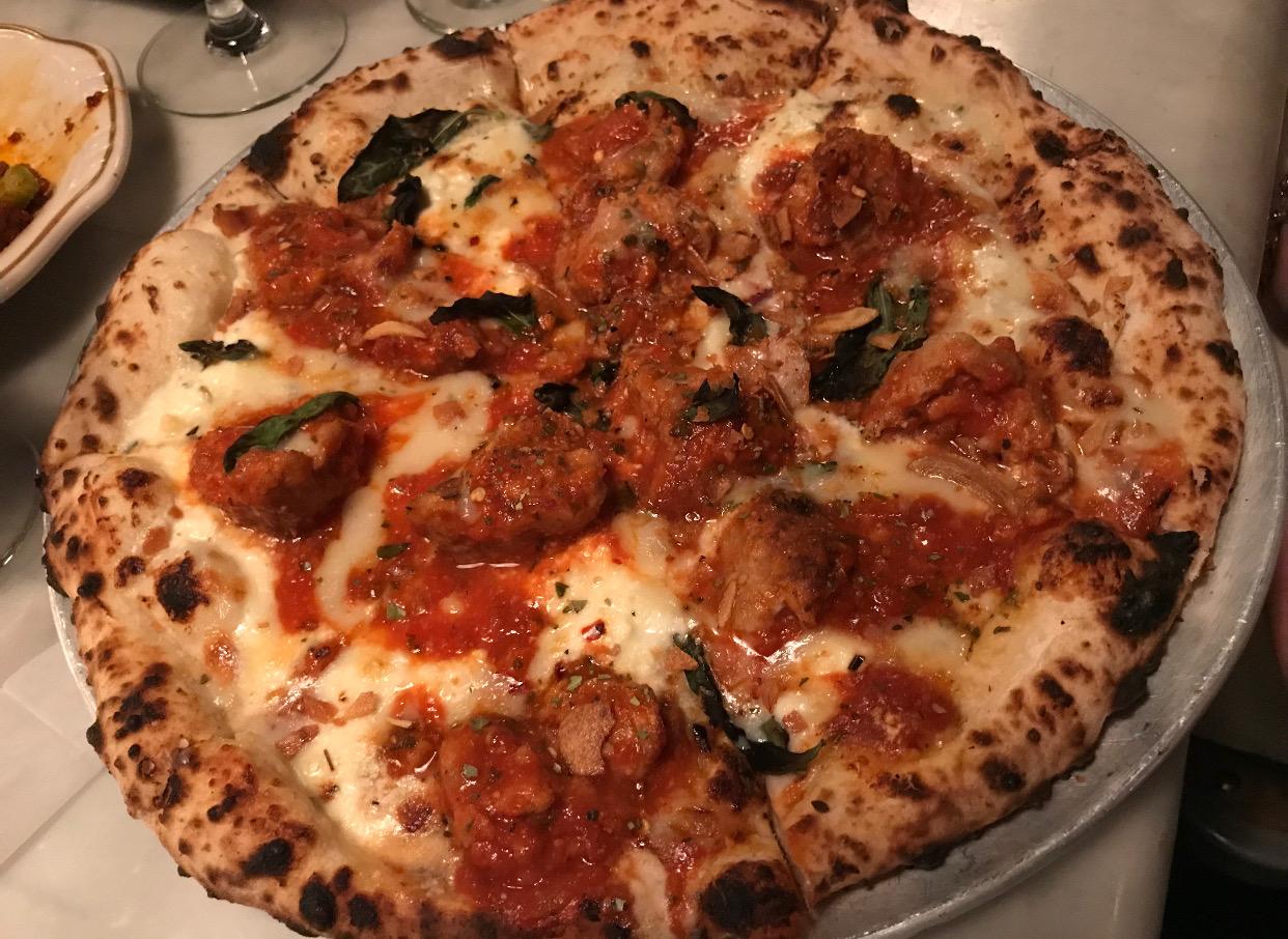 A delicious pizza at Speedy Romeo.