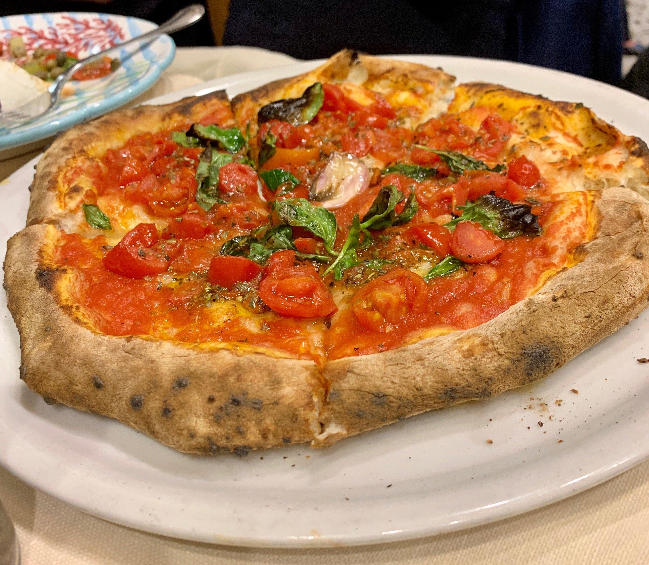 Pizza,   Ristorante Europeo Mattozzi   .