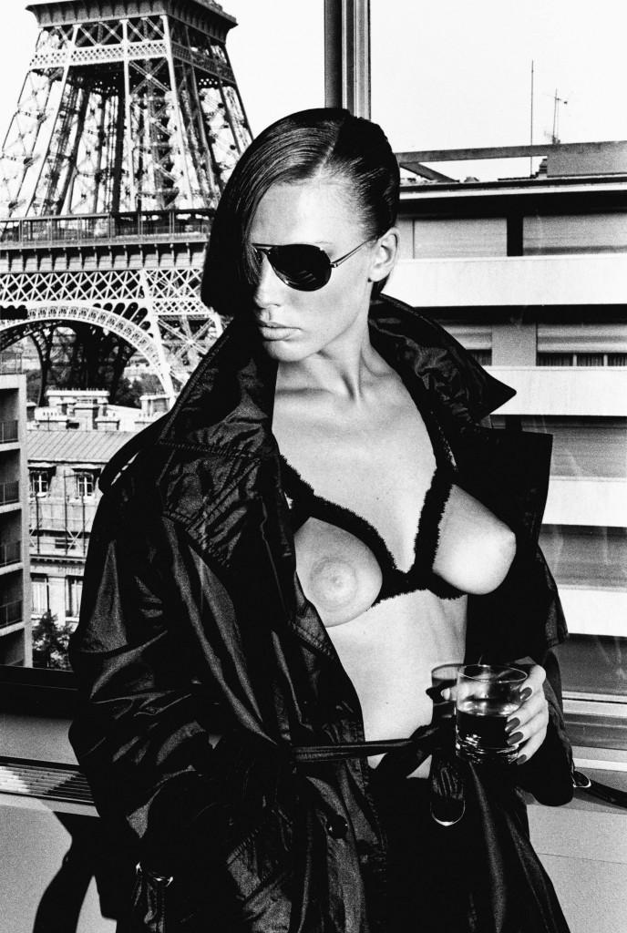 Gunilla-Bergstrom_Paris-1976_copyright-Helmut-Newton-Estate-688x1024.jpg