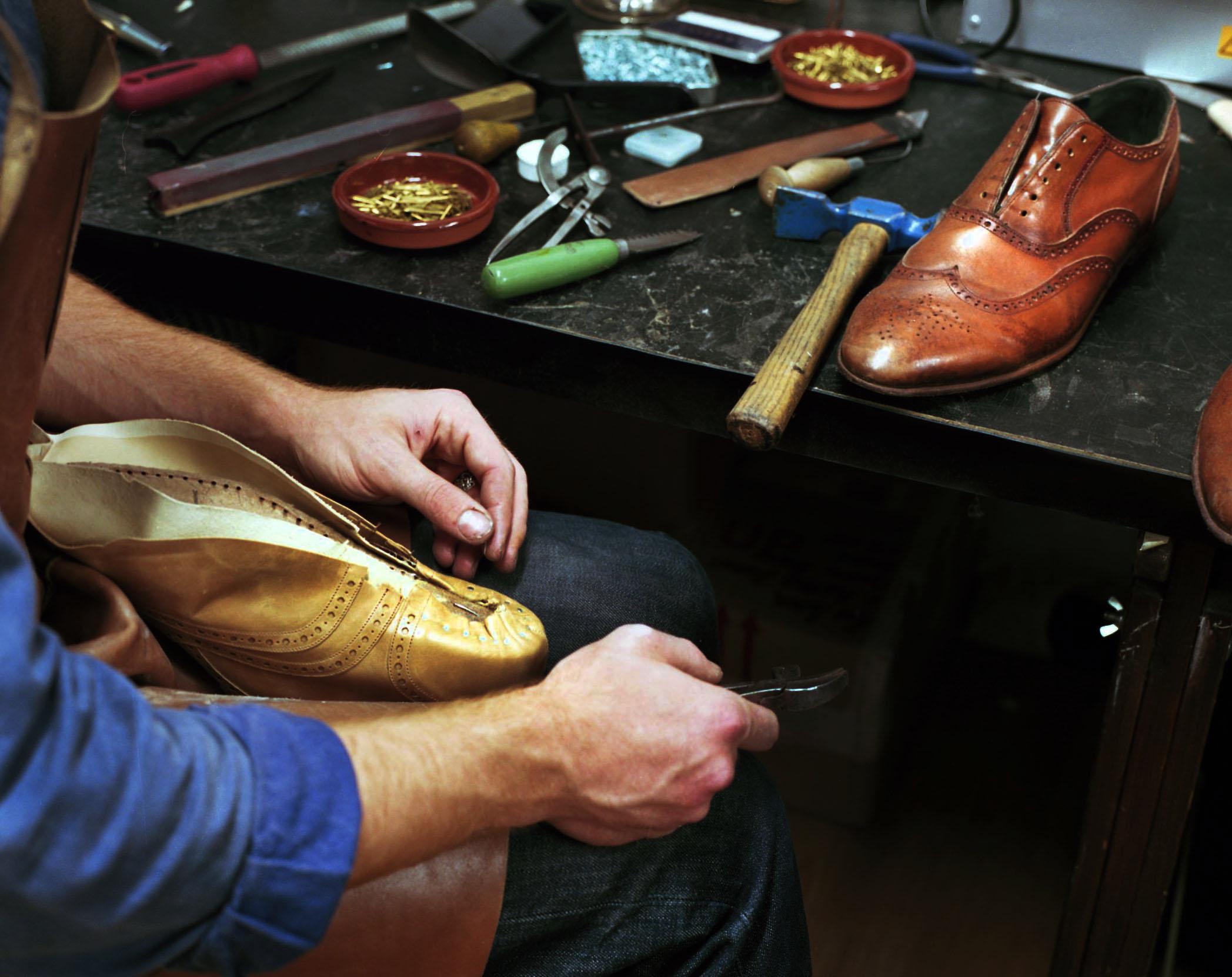 Lasting - Handmade shoes