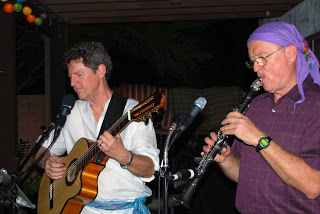 Tom Dukes and Roger Sperline playing  El Basso  in 2014