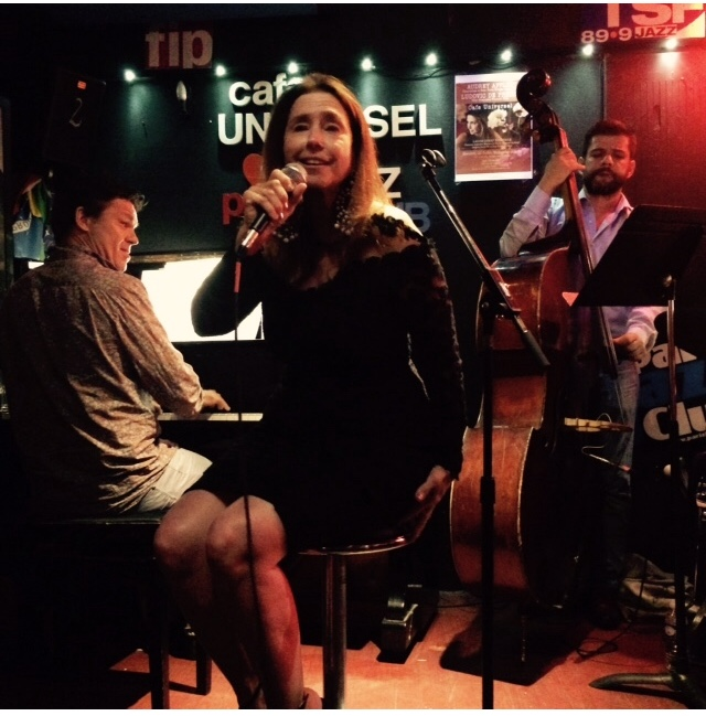 Café Universel Paris with Ludovic De Preissac on piano and Sebastian Jimenez on Bass