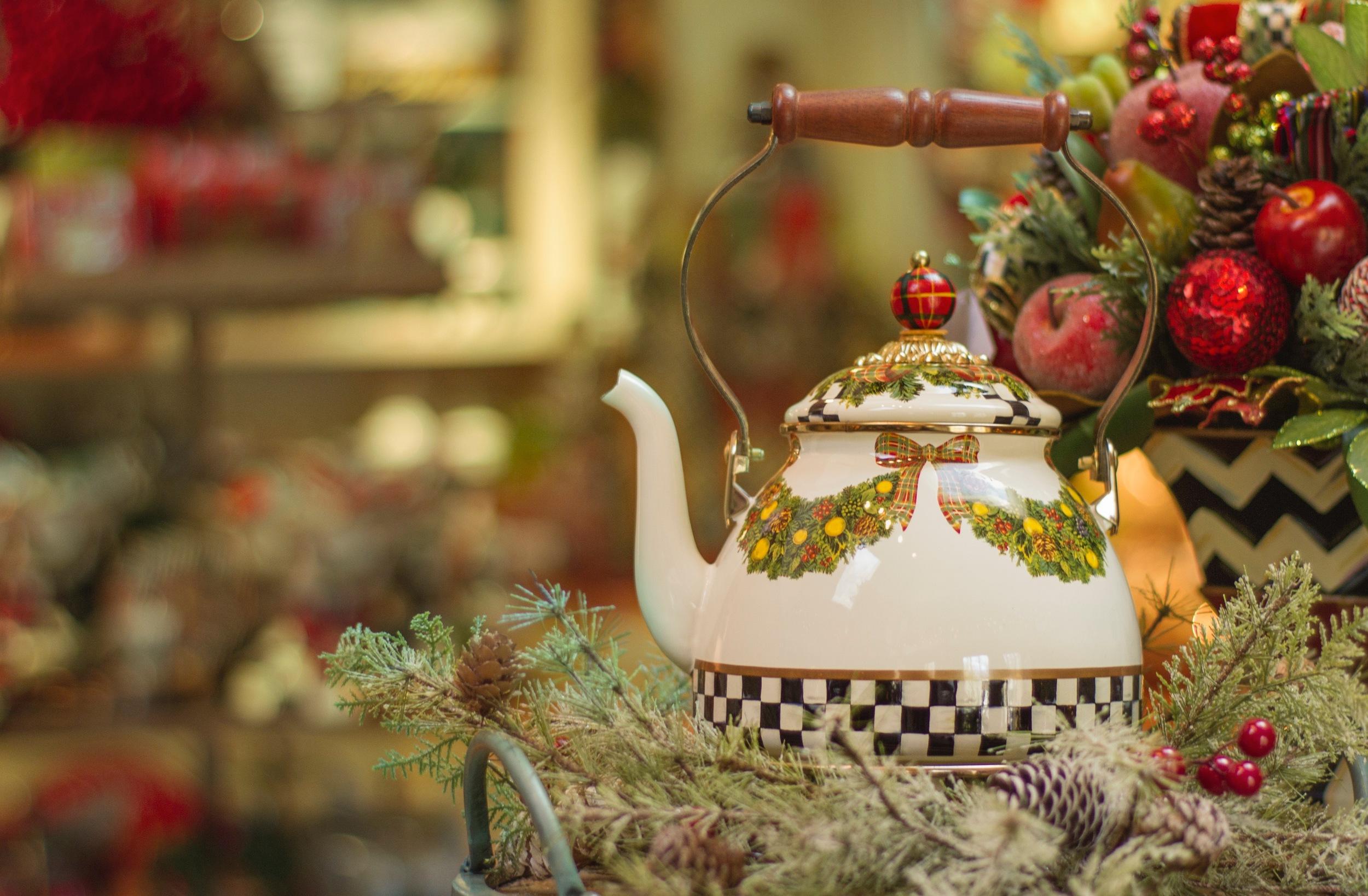fhbc-kitchen-teapot001.jpg