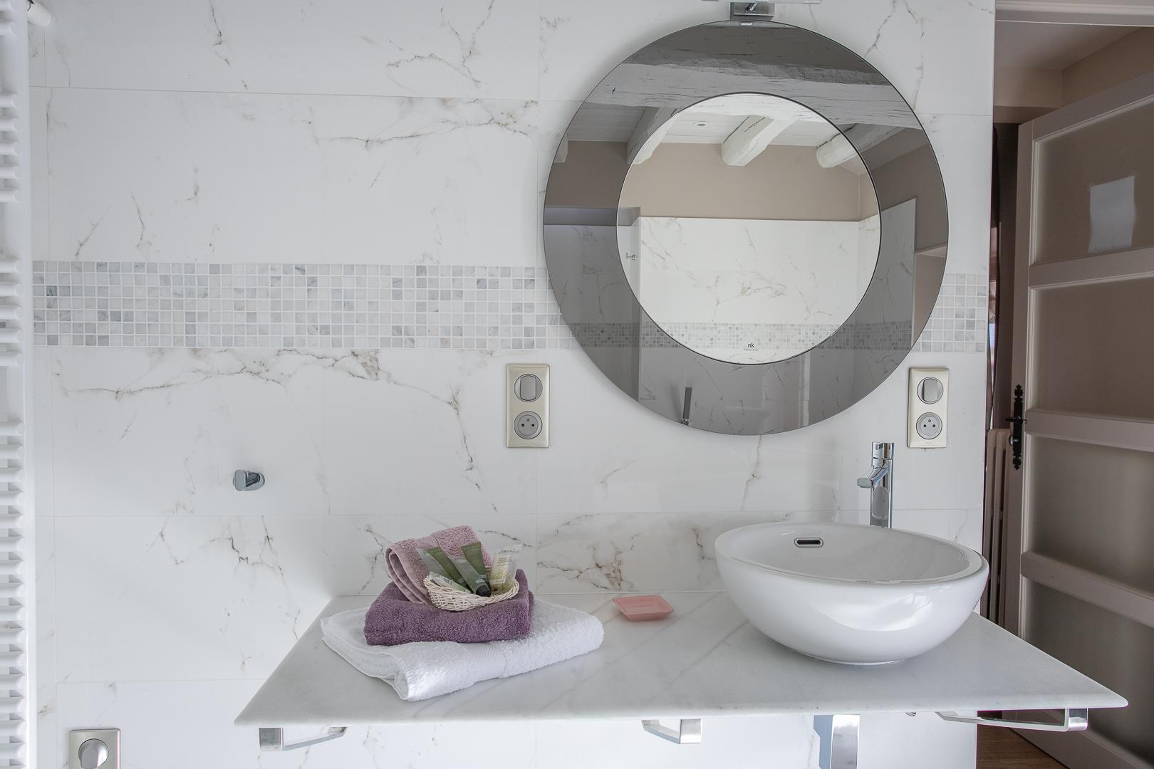 Chambre Chablis, détail du lavabo