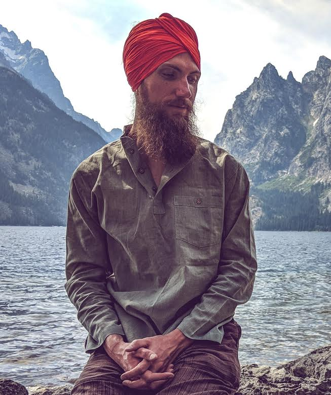 Sat Nam, I am Gian Arjan. - I am a Kundalini Yoga Teacher and Gong Resonance Sound Therapist traveling around sharing the teachings of Yogi Bhajan in a compassionate way that comes from my own experience of life. Finding Kundalini Yoga & the gong at a highly pressurized time, and the way held space for my processing has inspired a profound belief in these practices' power to assist people in unpacking their pain and unlocking their full potential. My classes are highly praanafied, open to all, and provide time and space for you to have an expansive and real experience of yourself.Take a class with me➝