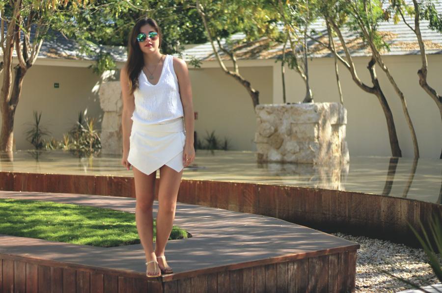 fountain courtyard playa del carmen mexico white outfit wrap skort
