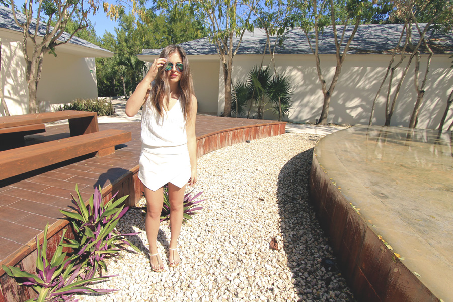 mexico courtyard zara all white outfit skort tank sunglasses