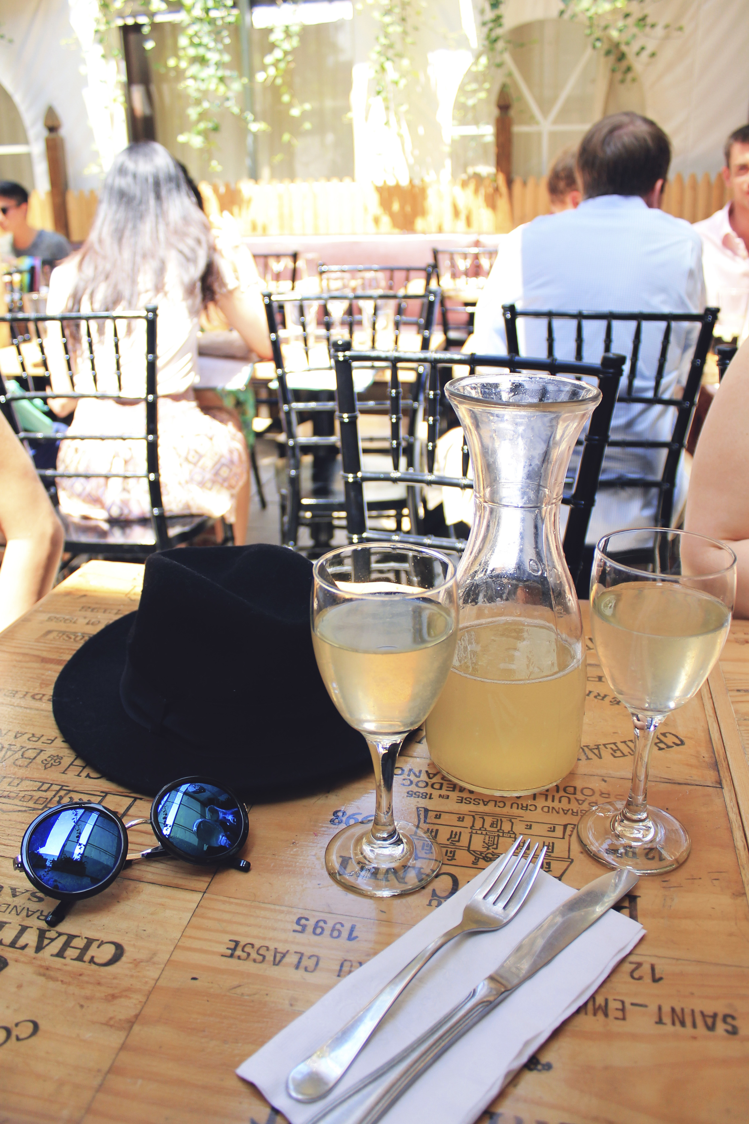paradou new york city bottomless champagne courtyard patio brunch