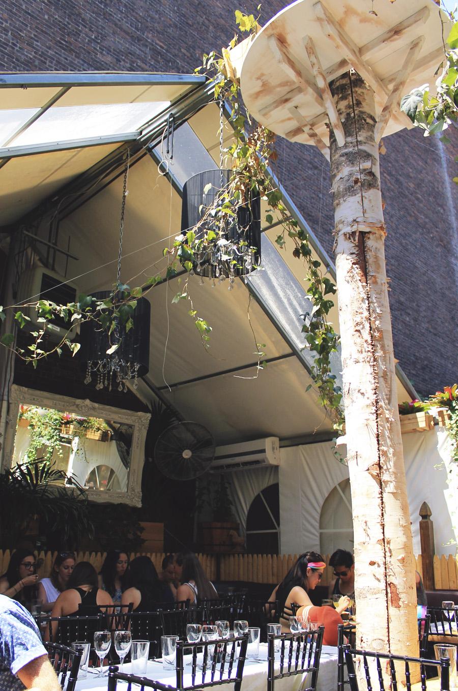 paradou new york city restaurant jardin patio chandeleir sunday brunch