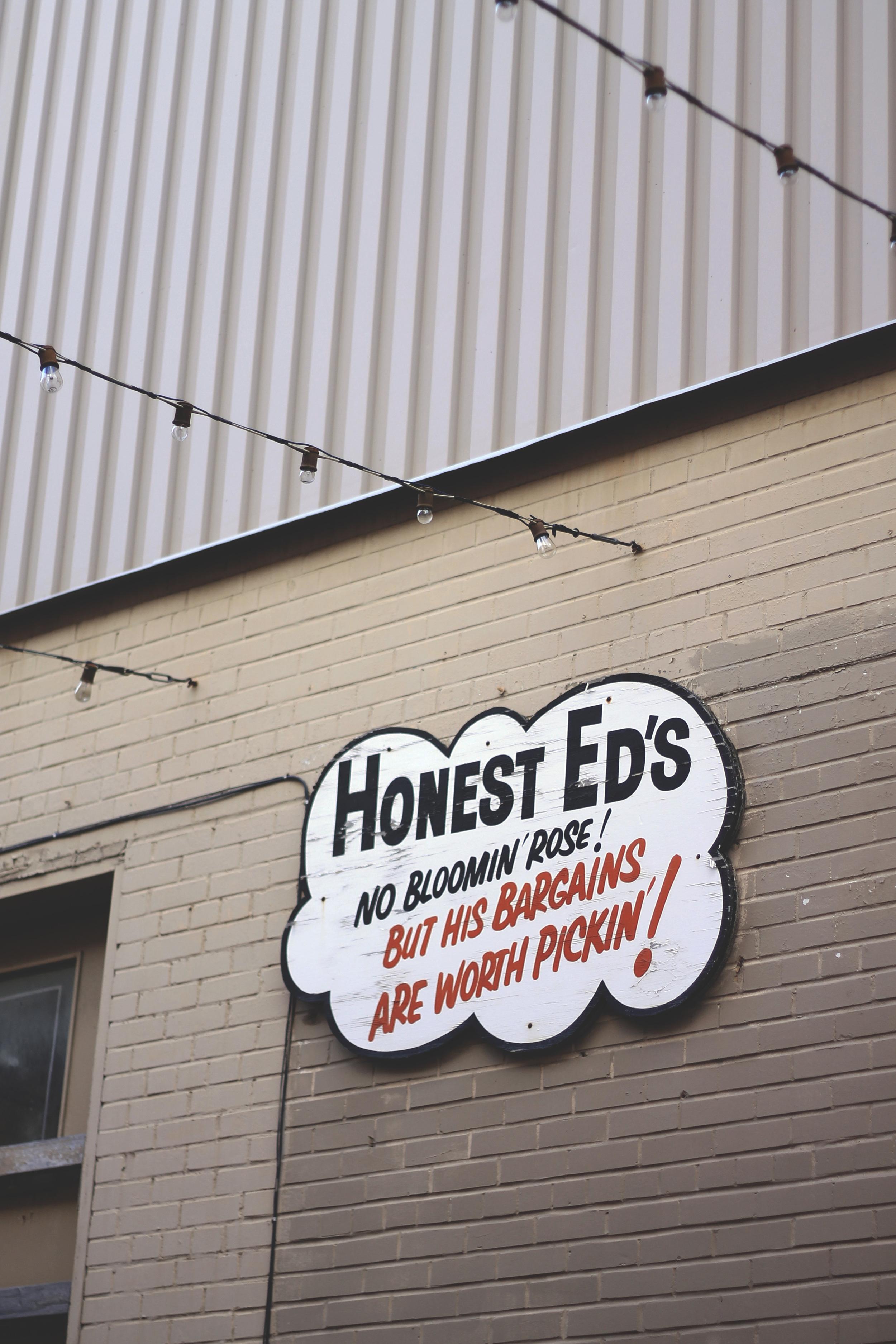 honest ed's rose pickin sign alley toronto landmark
