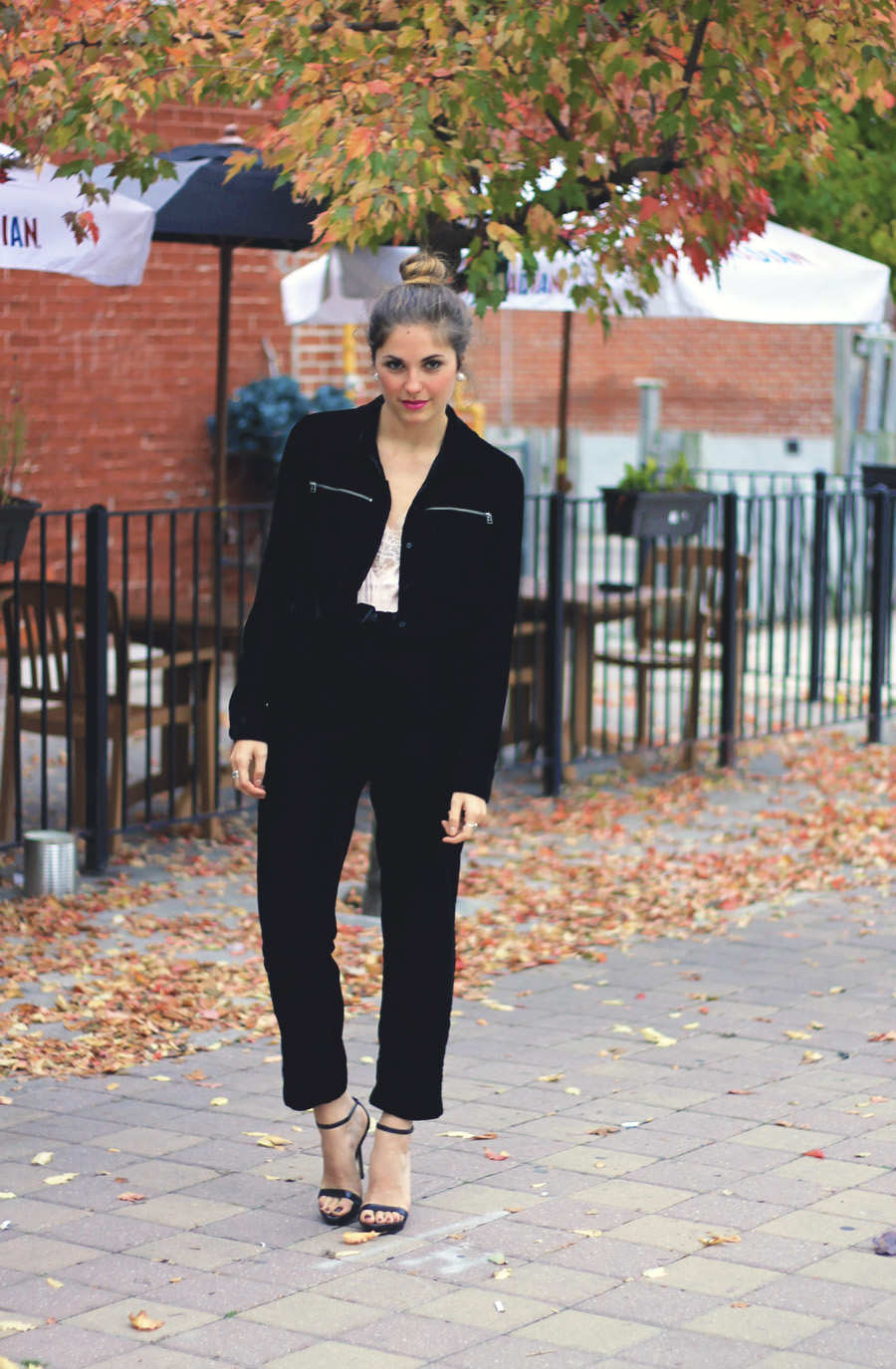 zara simple strap black leather sandals toronto fashion blogger