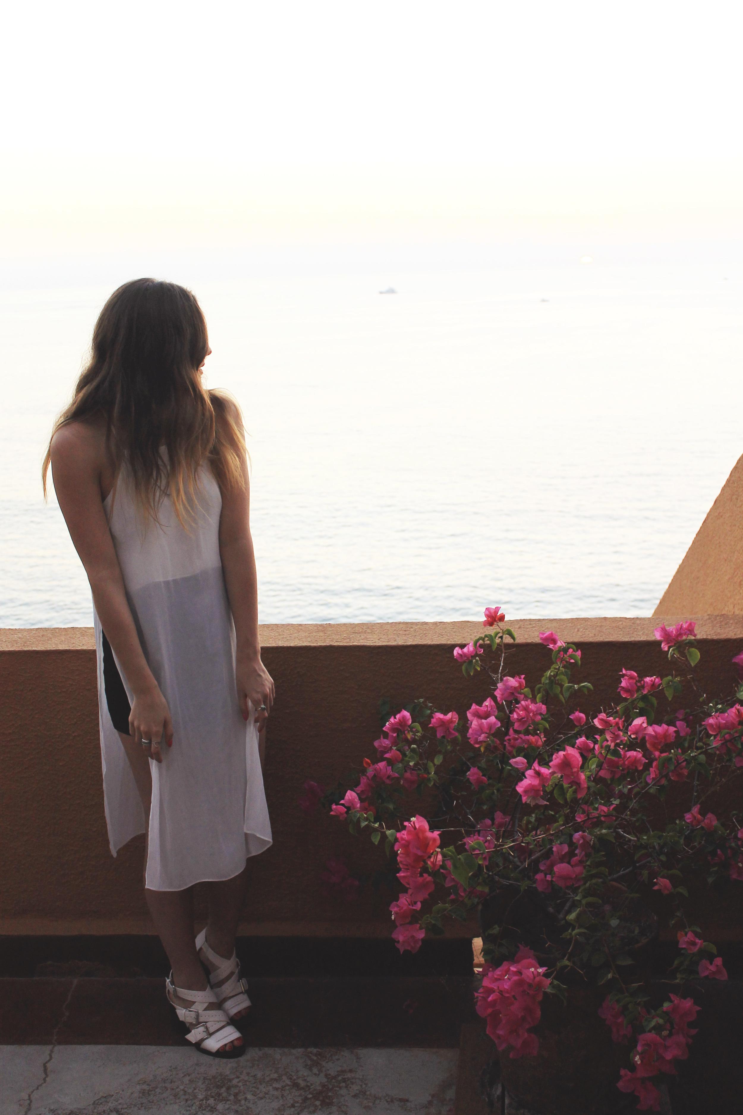 mexico ixtapa balcony sunset style blogger
