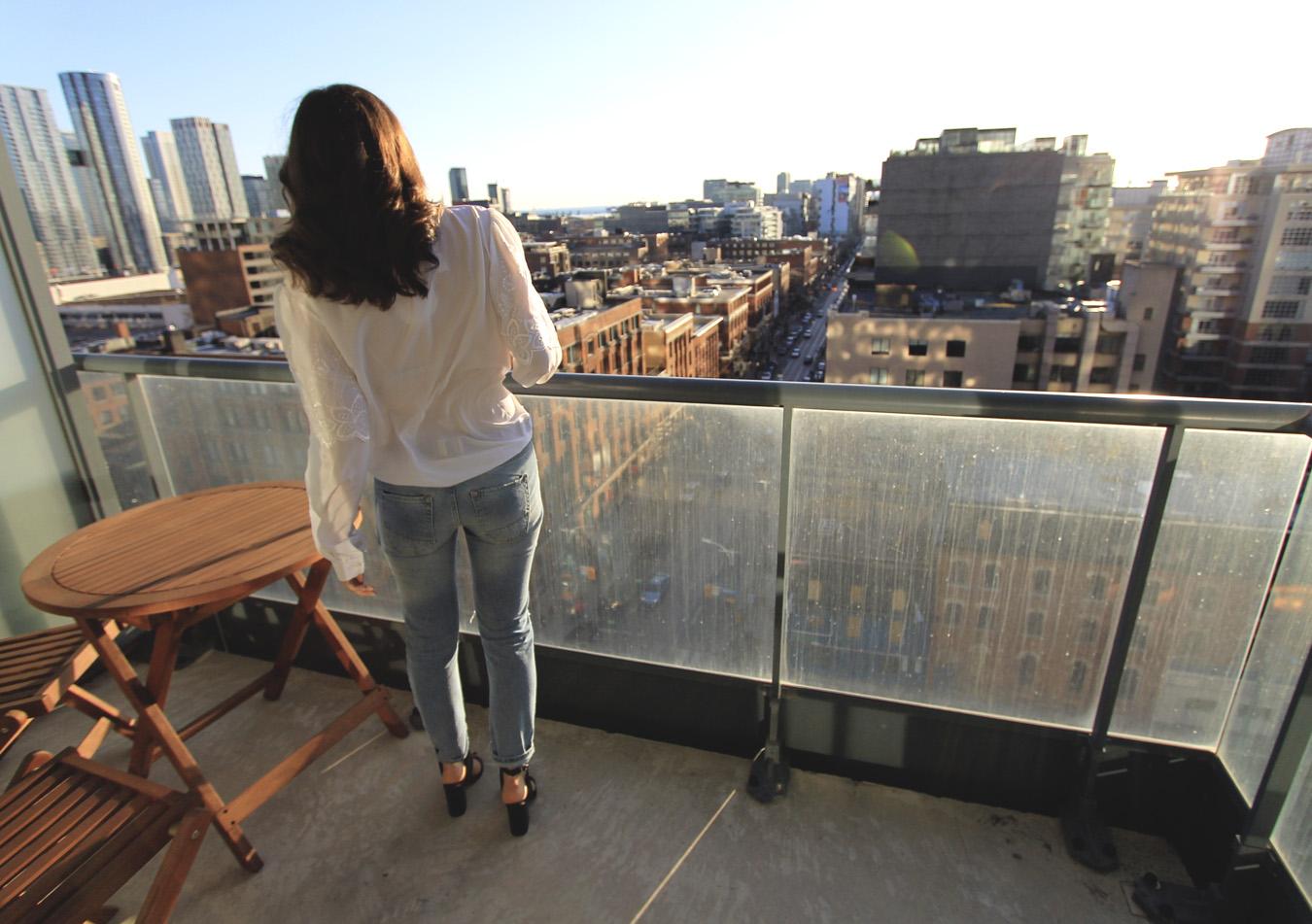 toronto-view-blogger-city-fashion.jpg